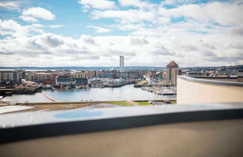 Marina penthouse apartment Swansea-sea views