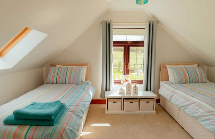 Walking cottage holiday near the Brecon Beacons sleeps 4 - twin bedroom