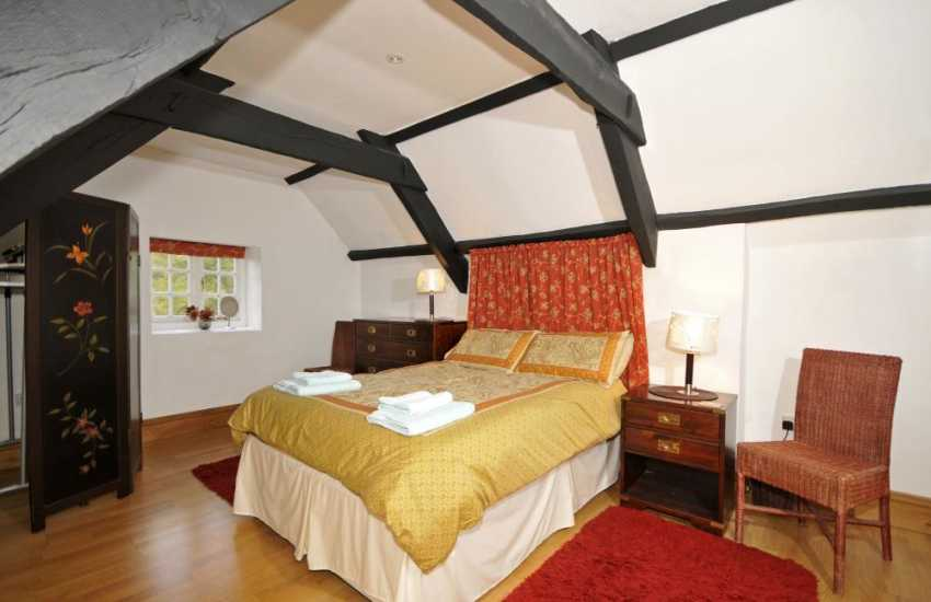 Pet friendly holiday Wales  - bedroom