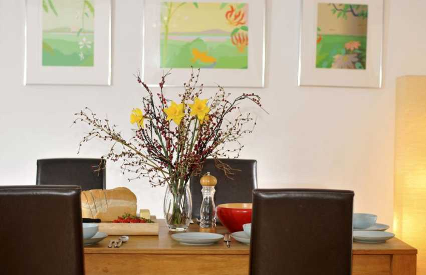 Llandeilo pet friendly holiday cottage Wales  - dining room