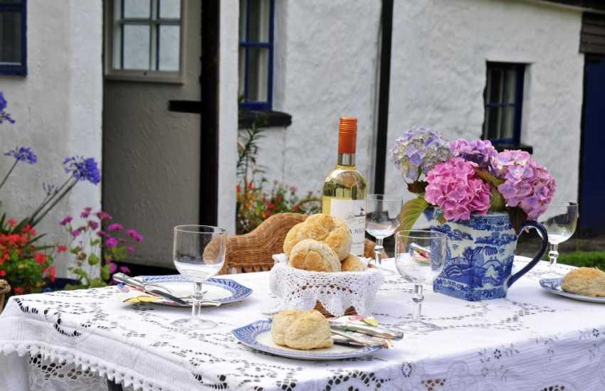 Corwen holiday cottage garden
