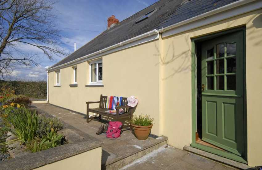 Walking holidays in Pembrokeshire - Nashfields Cottage Llamgwm