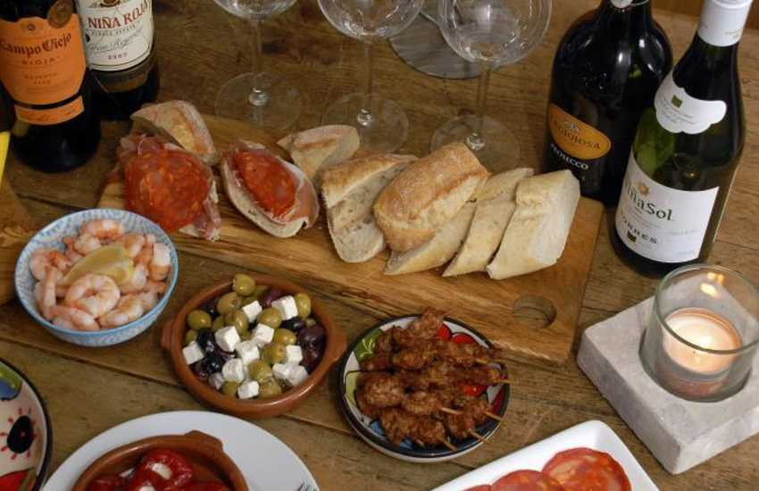 Pembroke has a good choice of cafes, pubs and restaurants to choose from - try The Kings Arms for tasty tapas