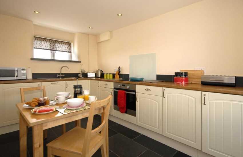 Self catering cottage St Davids - kitchen/diner with under floor heating