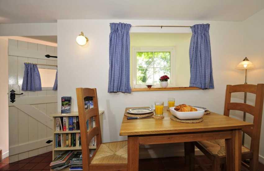 Holiday cottage Dyffryn Conwy - dining