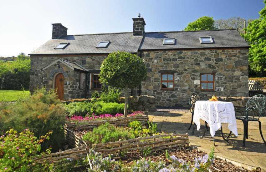 Aberdaron holiday cottage - ext