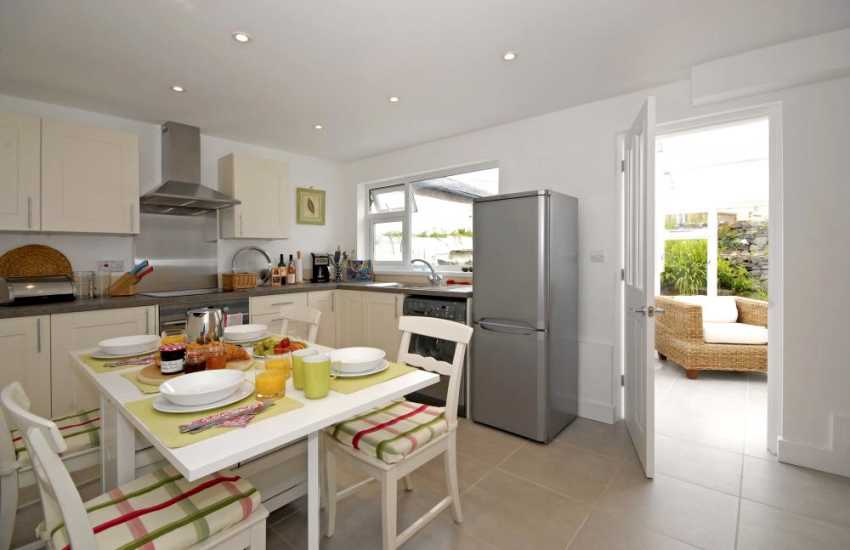 Self catering St Davids holiday cottage with open plan kitchen/dining room