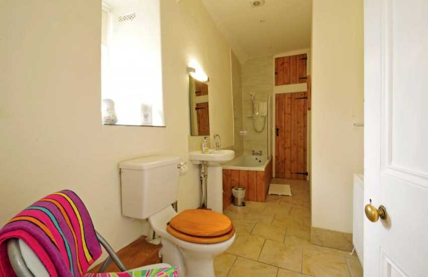 Pet friendly Coastal cottage Wales - bat