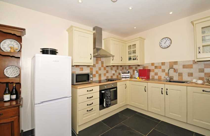 Pet friendly cottage Wales - kitchen