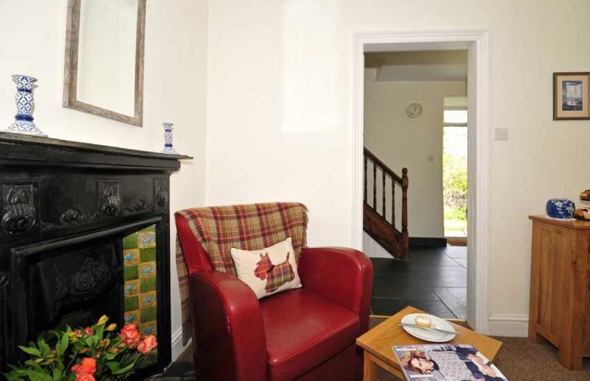 Pet friendly cottage Wales - lounge