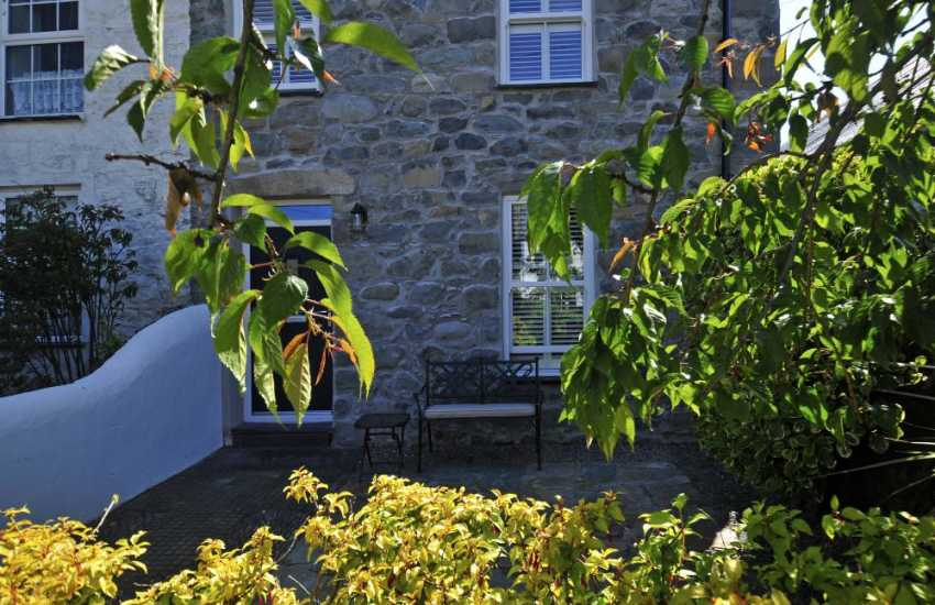 Pet friendly holiday cottage Morfa Nefyn - exterior