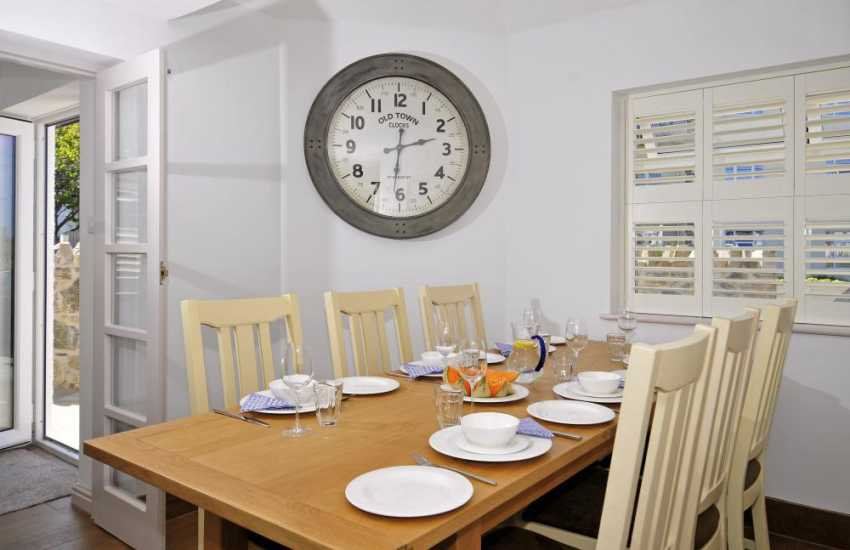 Pet friendly holiday cottage Welsh coast - dining