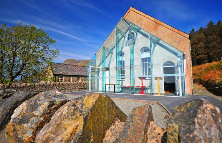 Visitors to Nant Gwerthyrn on the Lleyn Peninsula can enjoy the Heritage Centre & fabulous cafe along with stunning views