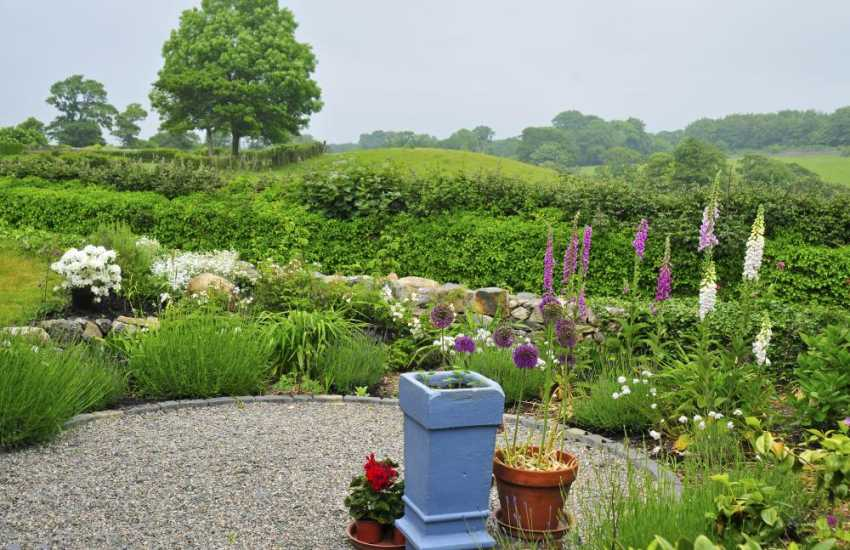 Cottage for 2 north Wales - garden