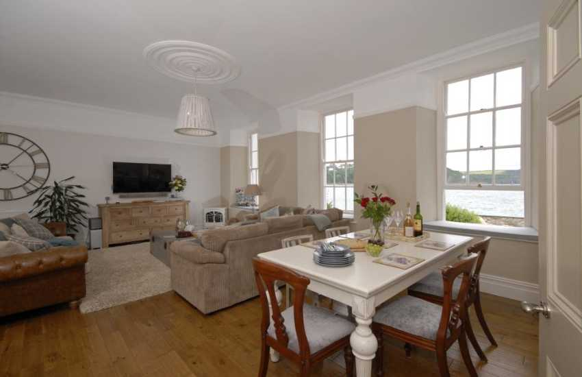 Tenby Pembrokeshire - contemporary holiday apartment by the sea - open plan living area