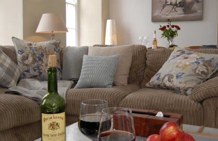 Relax and chill out at Tenby View Apartment