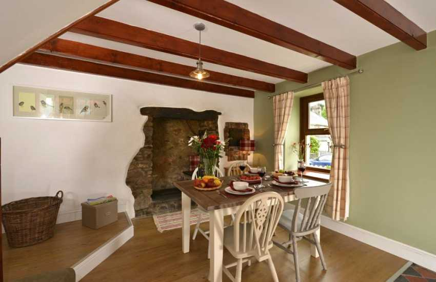 Secret Waterway cottage holiday - dining