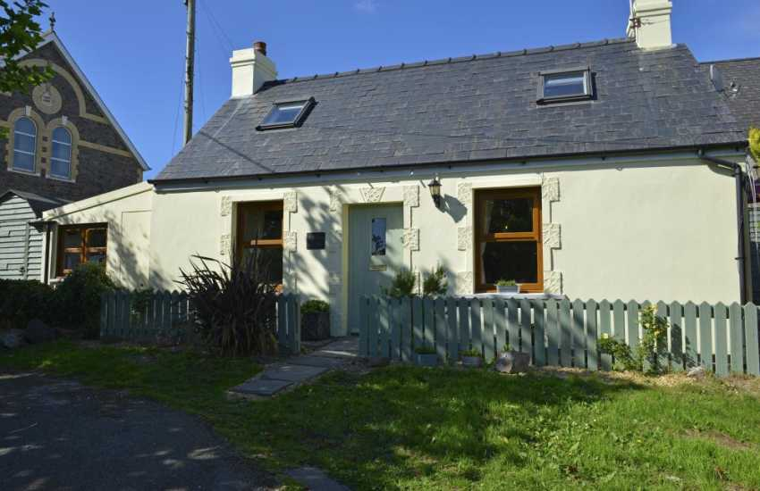 Holiday cottage Llangwm - sleeps 3