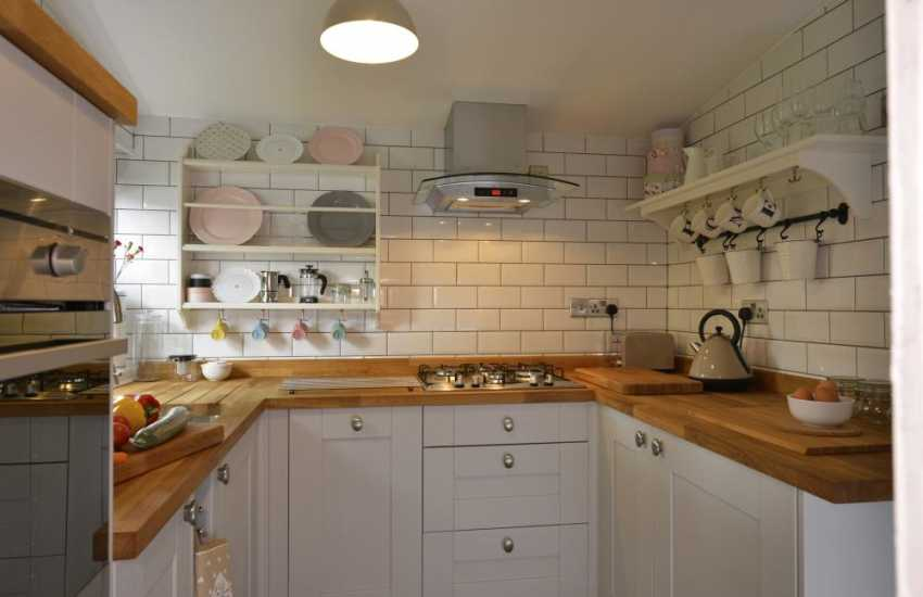 Cottage holiday in Wales near Haven Waterway - kitchen