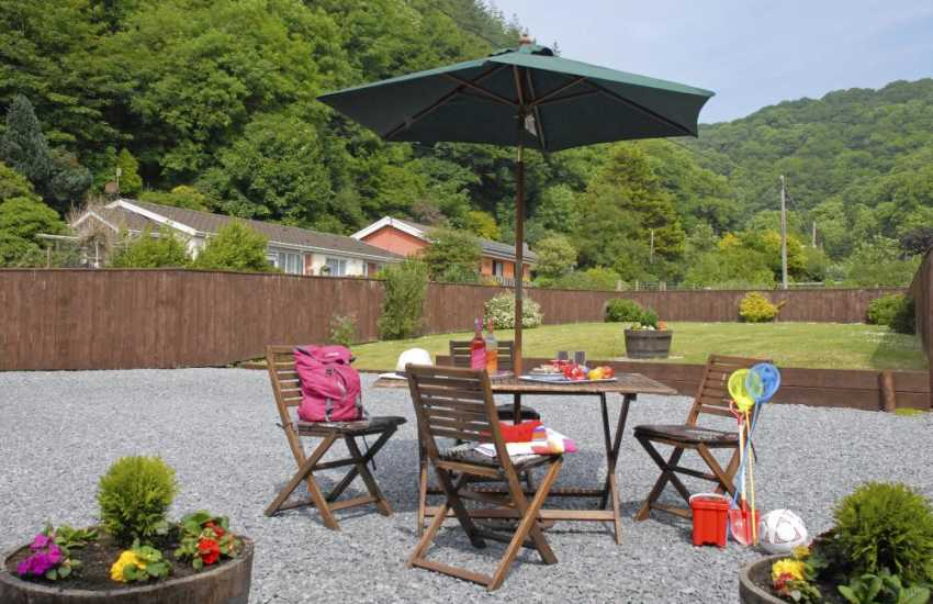 Pendine holiday cottage - private patio