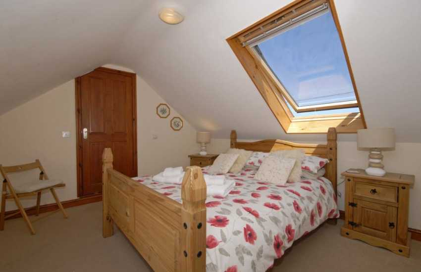 Cardigan Bay coastal holiday home sleeps 8 - double with ensuite shower