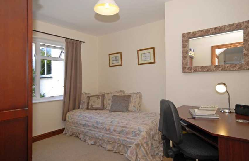 Gwbert holiday home - ground floor office/twin bedroom (2 Staka beds)