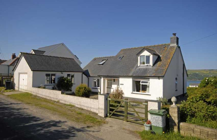 Gwbert, Cardigan Bay holiday home with sea views - sorry no pets