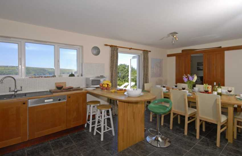 Self-catering holiday cottage Gwbert - modern open plan kitchen/diner