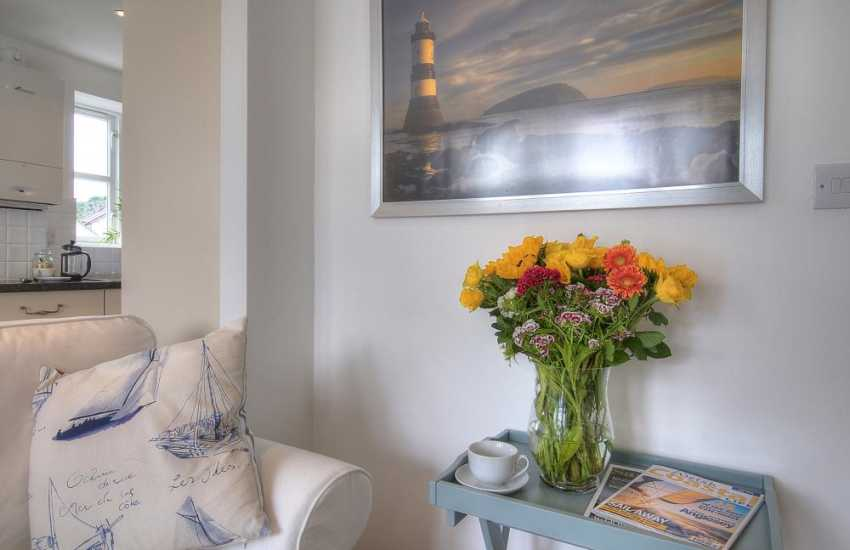 Anglesey self catering sleeping 4 - flowers