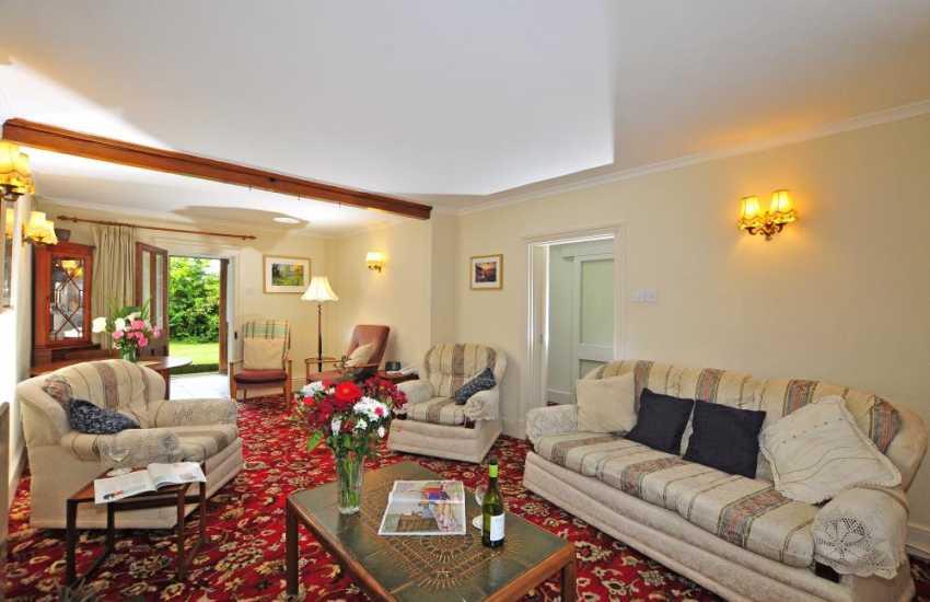 Abereiddi nearby holiday cottage-lounge