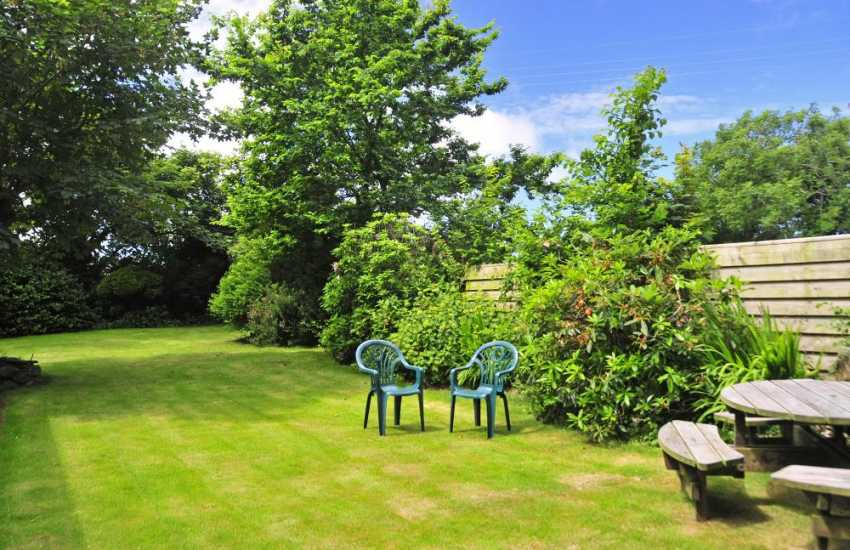 St Davids Peninsula cottage holiday-garden