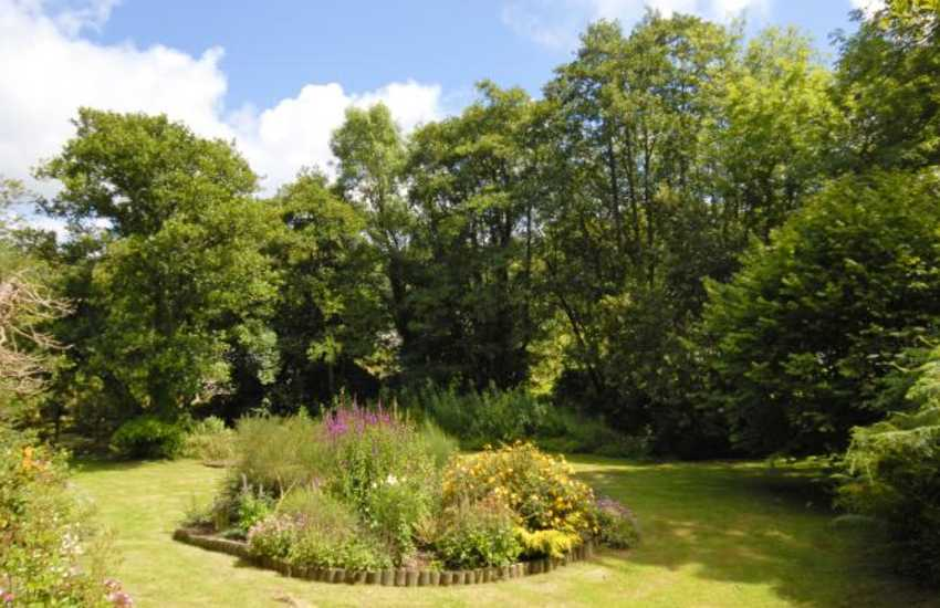 Holiday cottage Near Mathry with mature gardens