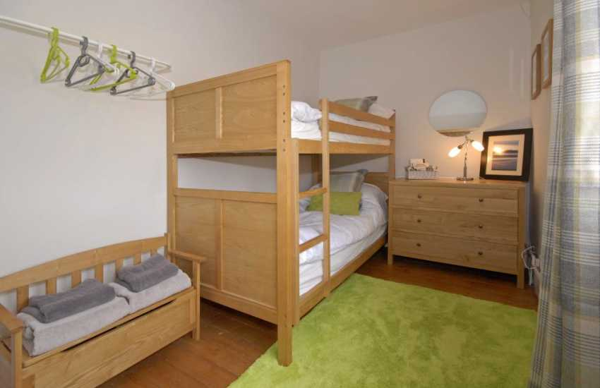 Carmarthenshire holiday home sleeping 10 - childrens bunk bed room.