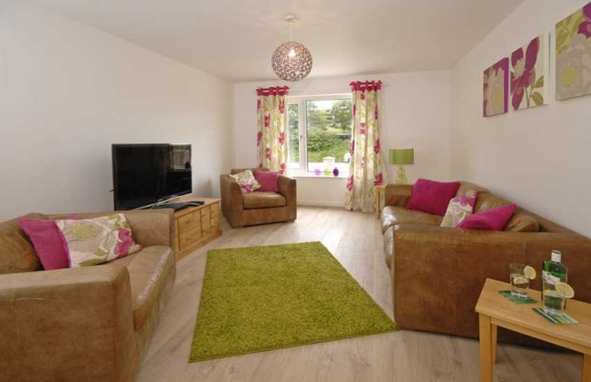 St Davids restored holiday cottage with wi-fi and T.V. lounge