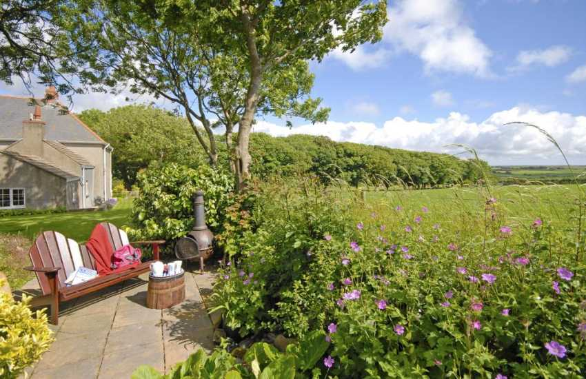 North Pembrokeshire holiday cottage - private gardens with countryside views