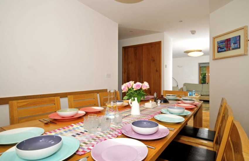 4 bedroomed holiday house Wales - dining