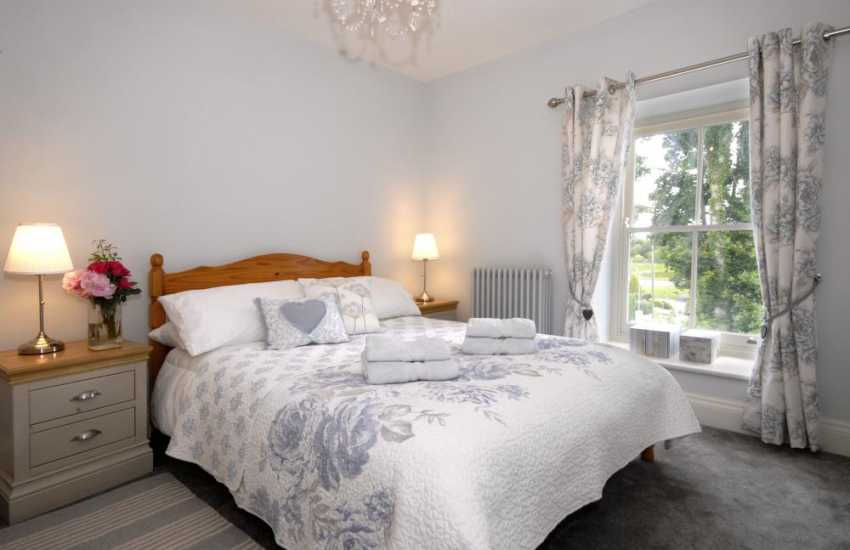 Little Haven holiday cottage sleeps 8 - double