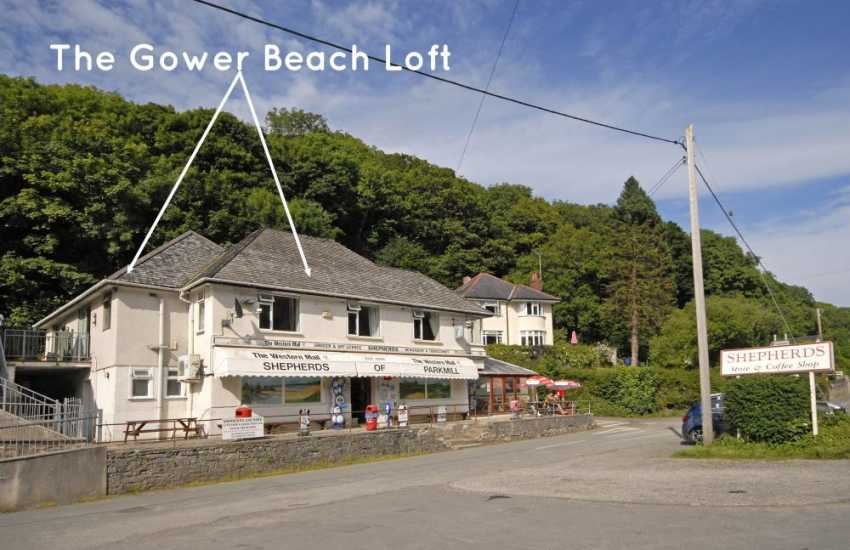 Gower self-catering apartment with spacious kitchen
