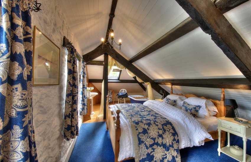 Anglesey holiday house - bedroom