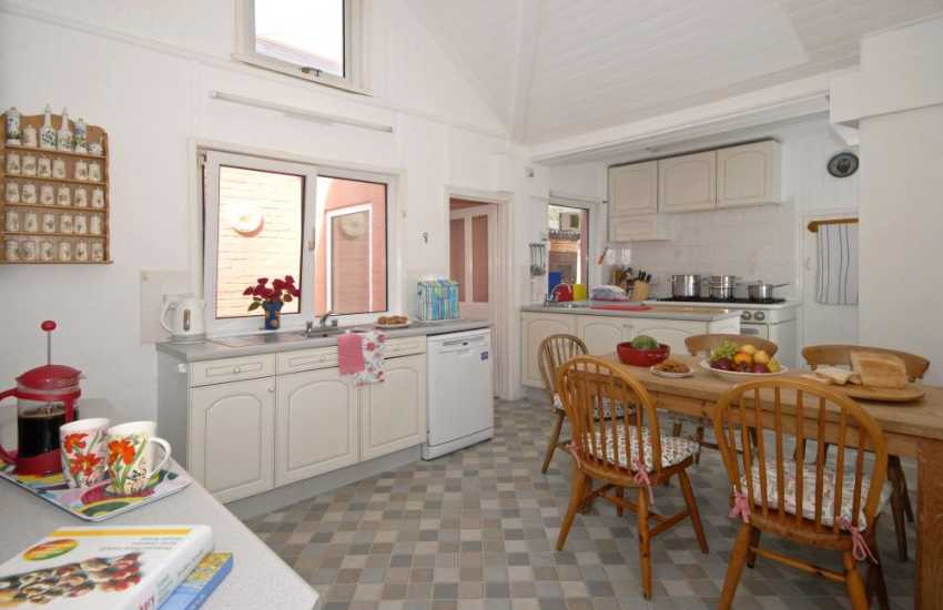 Self-catering holiday home for large families - kitchen
