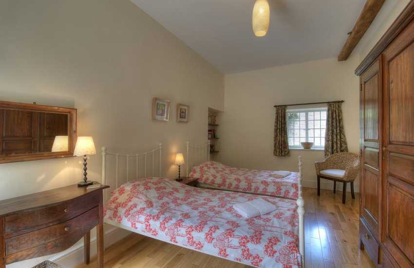 Hay on Wye holiday cottage - bedroom