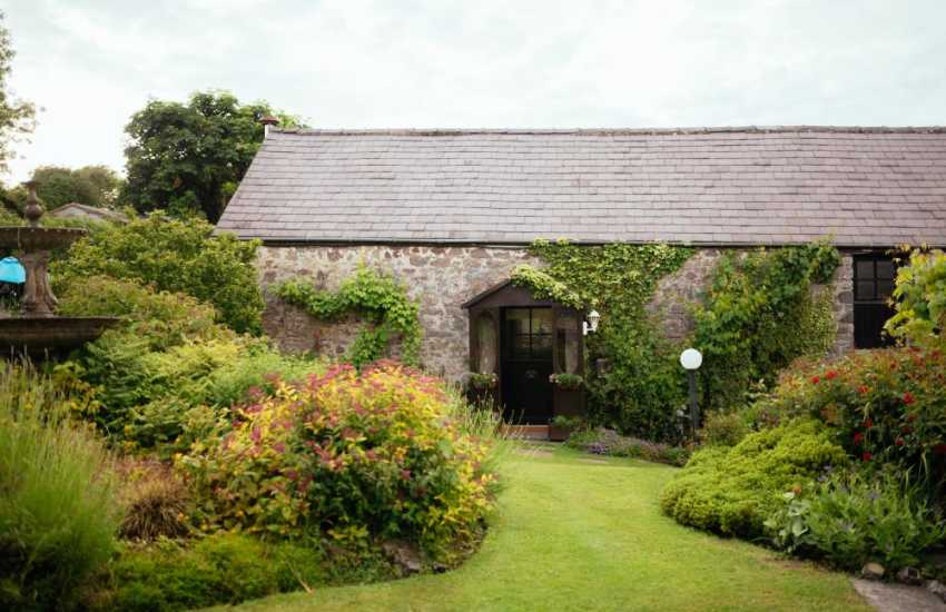 Cottage holiday on the Gower Peninsula-garden