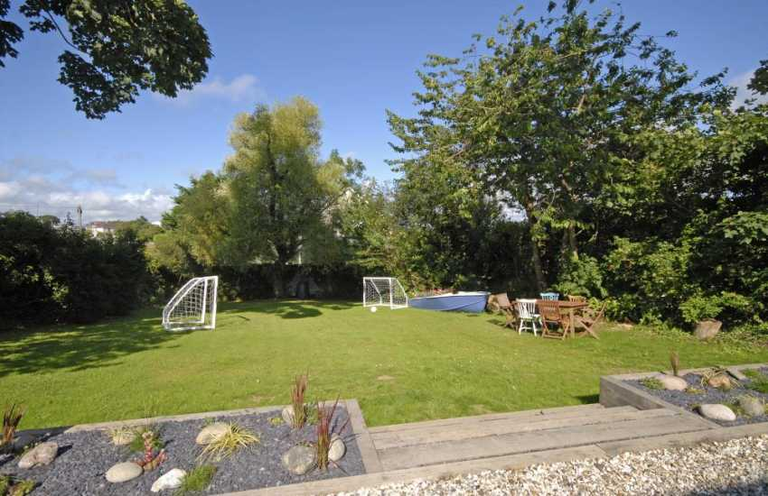 Pet friendly holiday cottage near Broad Haven North - gardens with portable football goal posts