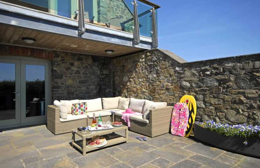 Solva St Davids holiday home with private part walled and woodland garden - dogs welcome