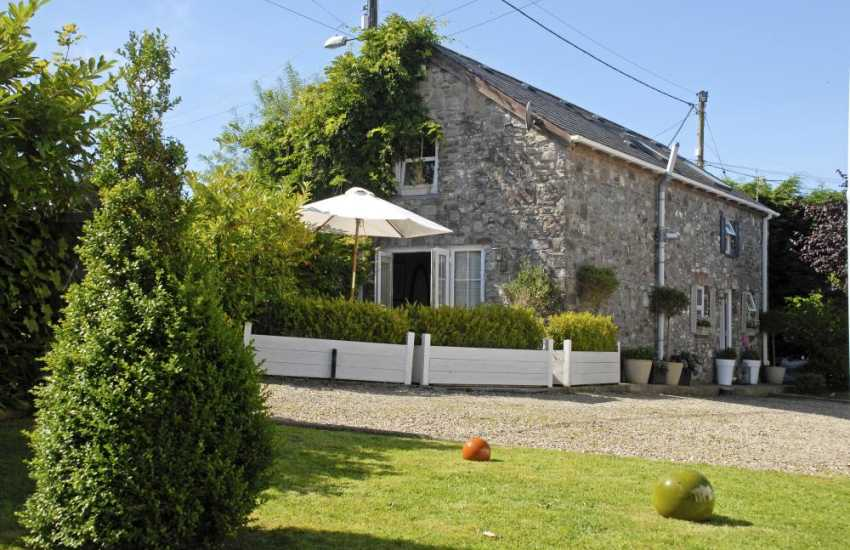 Llansteffan, Llanybri - restored luxury Welsh holiday cottage on the Dylan Thomas Trail