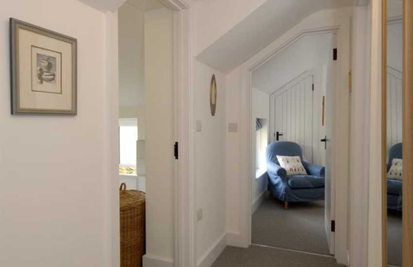Renovated cosy cottage in Cwm yr Eglwys, Newport - landing