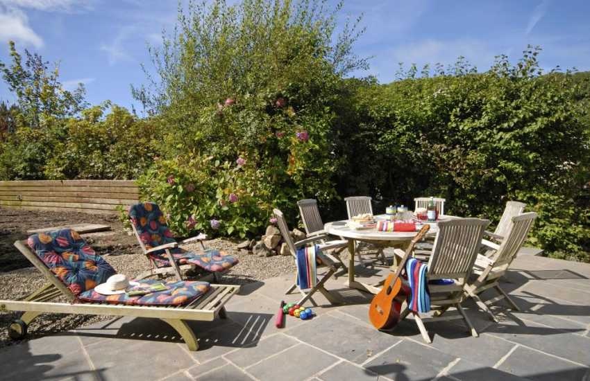 Pet friendly North Pembrokeshire holiday cottage - sheltered private garden