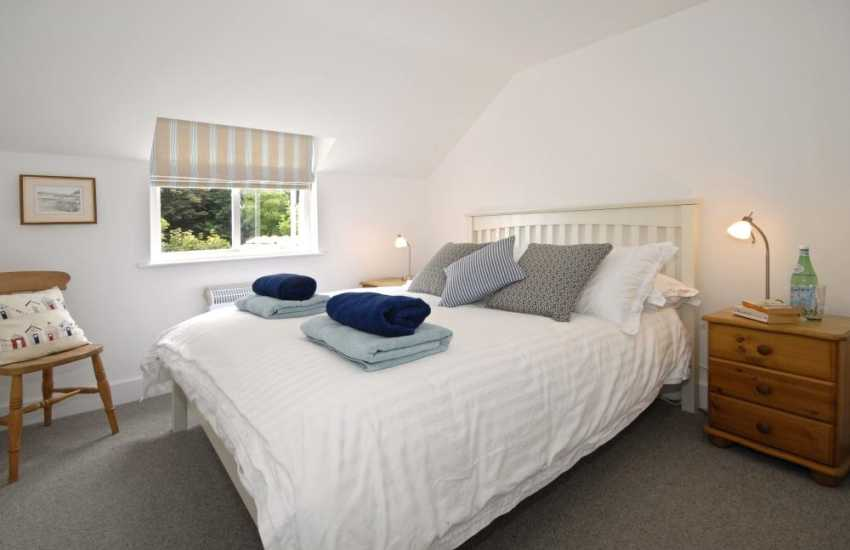 North Pembrokeshire holiday cottage - master en-suite double