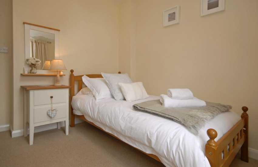 St Davids holiday cottage - single