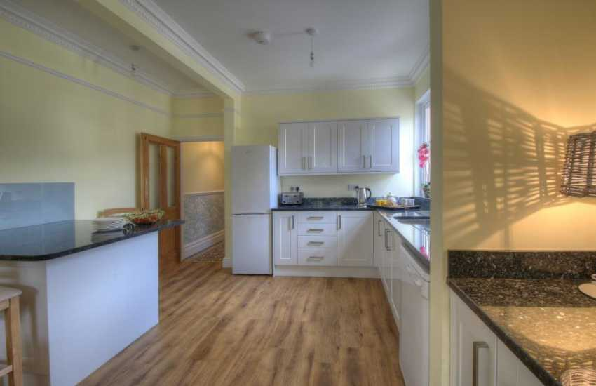 Town centre holiday house Aberystwyth - kitchen